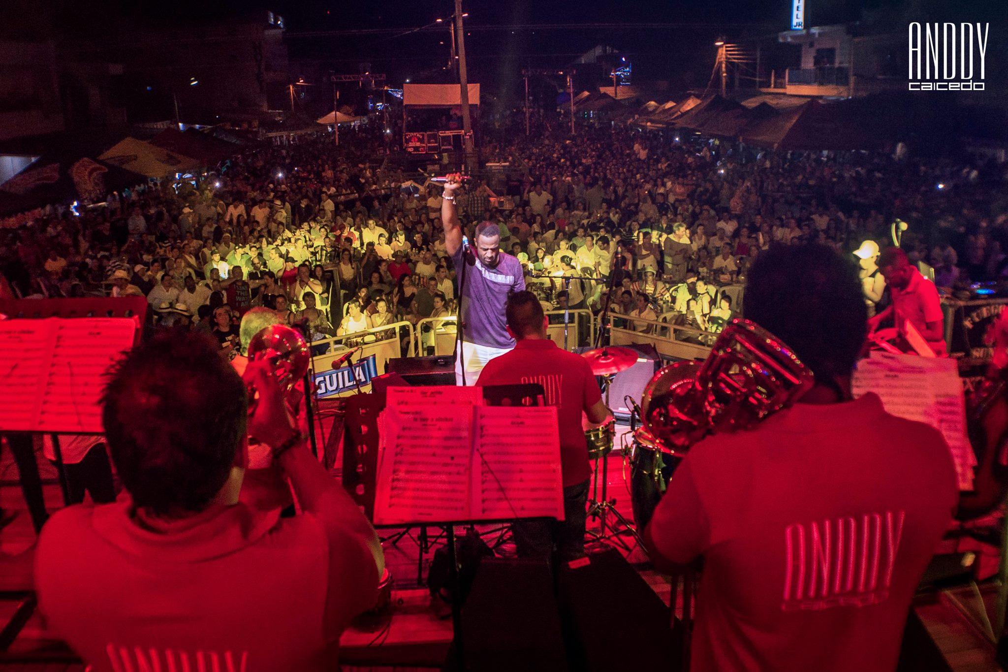 Grupo de salsa para eventos Anddy Caicedo